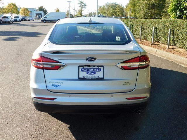 2019 Ingot Silver Metallic Ford Fusion SE Sedan Automatic FWD 4 Door EcoBoost 1.5L I4 GTDi DOHC Turbocharged VCT Engine