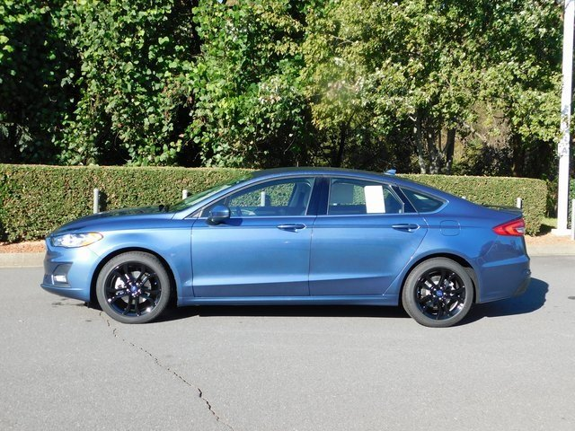 2019 Blue Metallic Ford Fusion SE FWD Automatic 4 Door