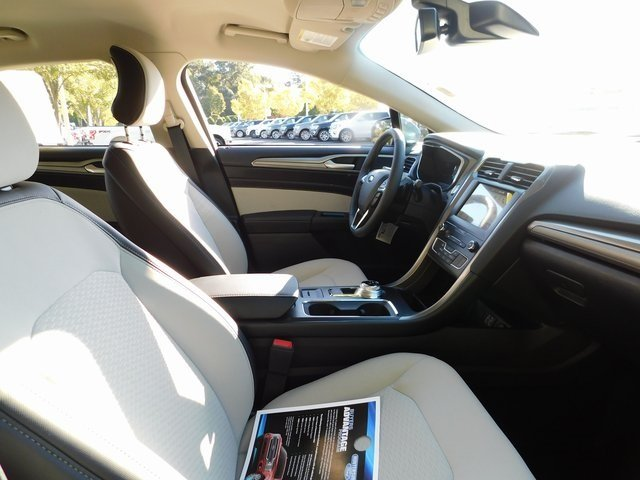 2019 Blue Metallic Ford Fusion SE Automatic FWD 4 Door