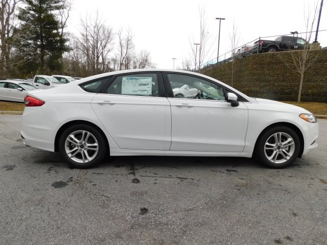2018 Ford Fusion SE 4 Door EcoBoost 1.5L I4 GTDi DOHC Turbocharged VCT Engine Sedan