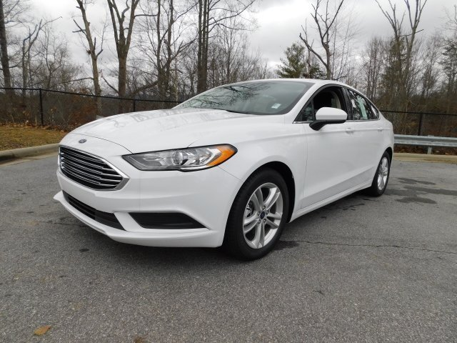 2018 Oxford White Ford Fusion SE EcoBoost 1.5L I4 GTDi DOHC Turbocharged VCT Engine 4 Door Automatic Sedan