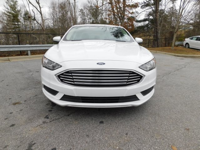 2018 Oxford White Ford Fusion SE 4 Door Automatic FWD EcoBoost 1.5L I4 GTDi DOHC Turbocharged VCT Engine