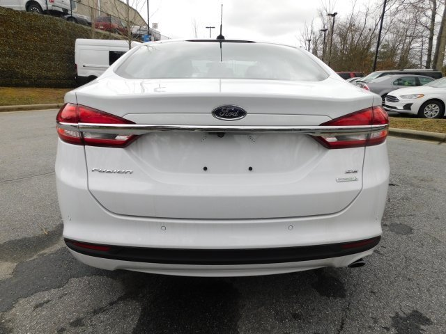 2018 Oxford White Ford Fusion SE Automatic FWD 4 Door