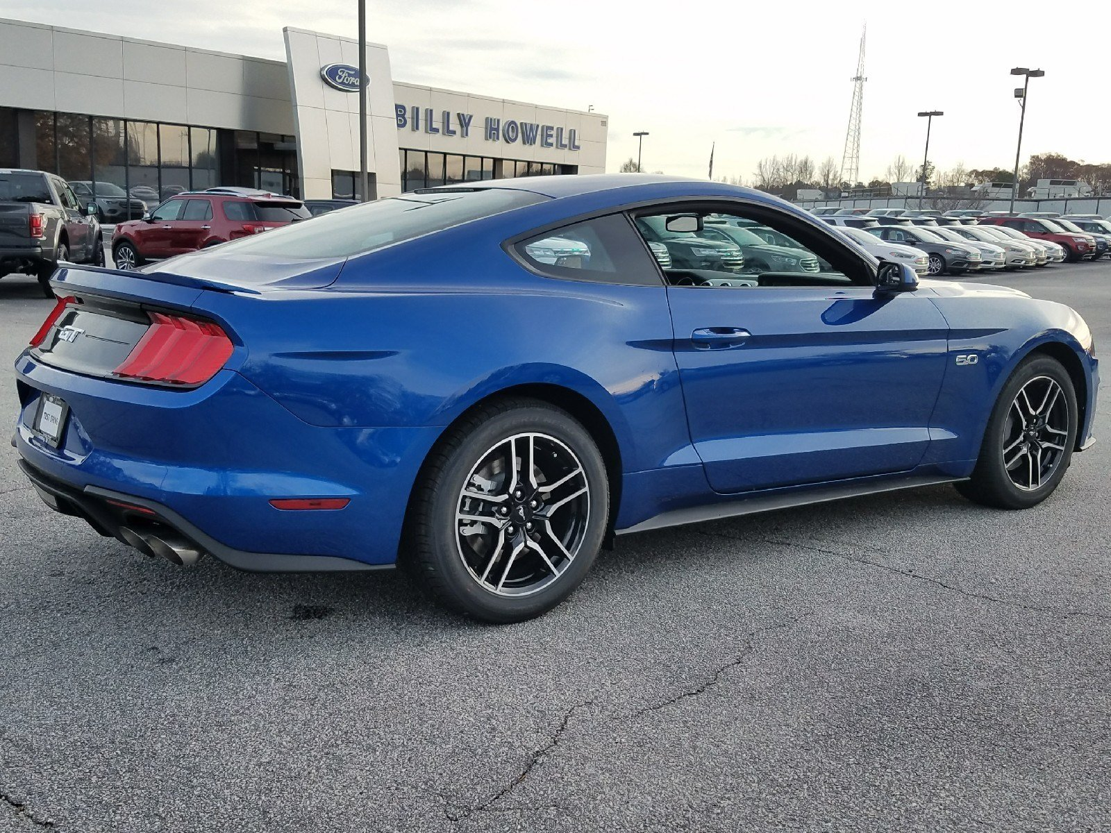 2018 Lightning Blue Ford Mustang GT 2 Door Manual Sedan RWD 5.0L Ti-VCT V8 Engine