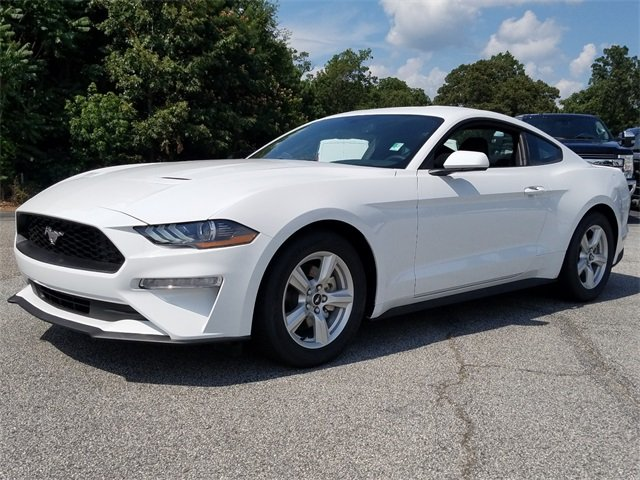 2018 Oxford White Ford Mustang EcoBoost Automatic RWD Coupe EcoBoost 2.3L I4 GTDi DOHC Turbocharged VCT Engine