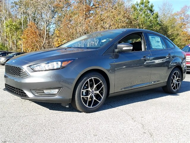 2018 Magnetic Metallic Ford Focus SEL Sedan FWD 4 Door Automatic 2.0L Ti-VCT GDI I-4 Engine