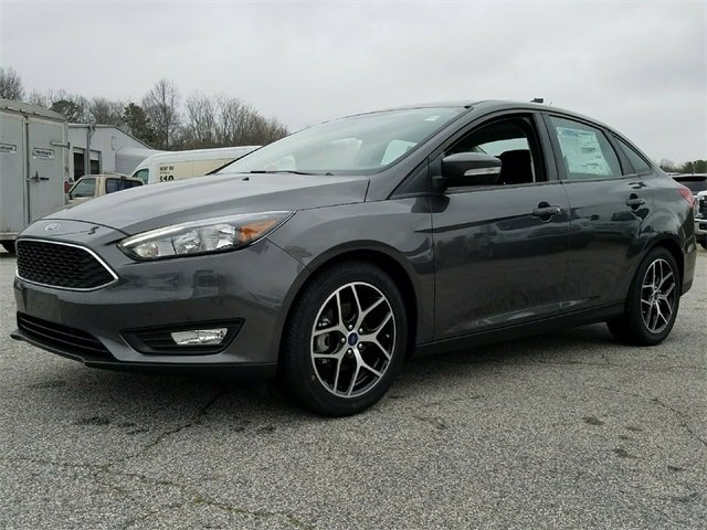 2018 Magnetic Metallic Ford Focus SEL 4 Door FWD Automatic 2.0L Ti-VCT GDI I-4 Engine