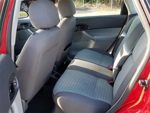 2007 Infra-Red Clearcoat Ford Focus SE Sedan Duratec 2.0L I4 DOHC Engine Automatic