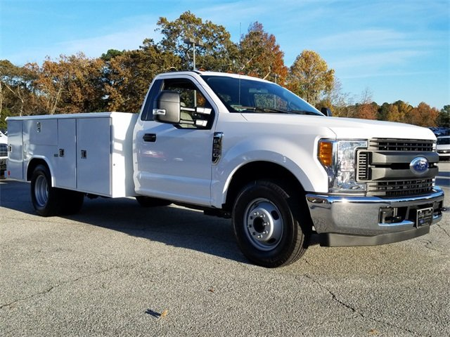 2017 Oxford White Ford Super Duty F-350 DRW XL 2 Door RWD Truck