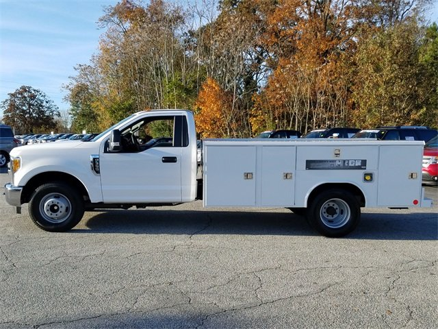 2017 Ford Super Duty F-350 DRW XL Automatic 6.2L Gas FFV V8 engine 2 Door RWD Truck
