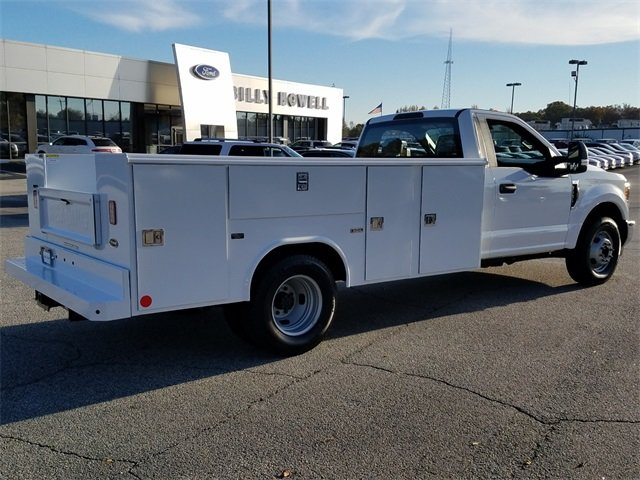 2017 Oxford White Ford Super Duty F-350 DRW XL RWD 6.2L Gas FFV V8 engine 2 Door Truck