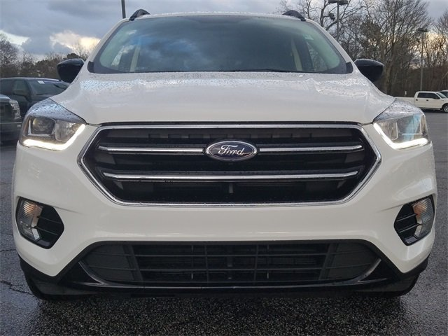 2018 Ford Escape SE SUV 1.5L EcoBoost Engine with Auto Start-Stop Technology 4 Door FWD Automatic