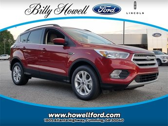 2018 Ruby Red Metallic Tinted Clearcoat Ford Escape SE SUV 4 Door FWD