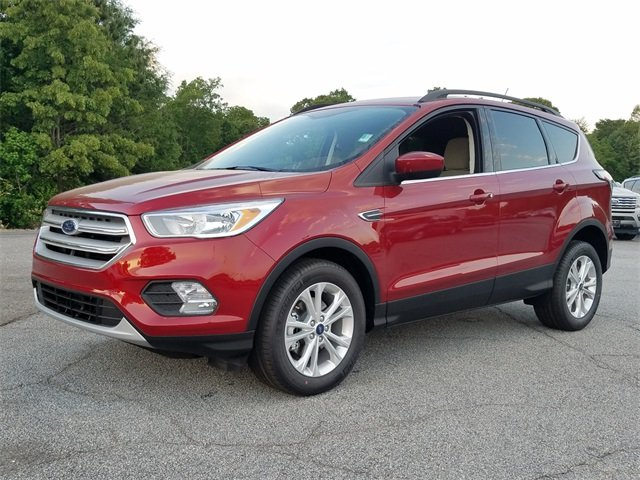 2018 Ruby Red Metallic Tinted Clearcoat Ford Escape SE SUV 4 Door 1.5L EcoBoost Engine with Auto Start-Stop Technology Automatic