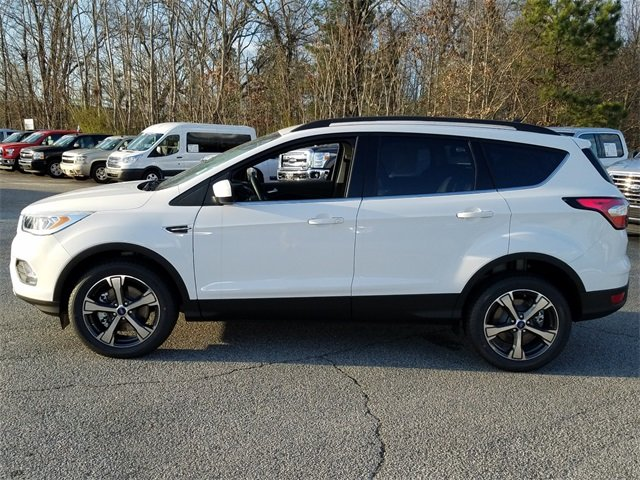 2018 Ford Escape SEL 4X4 1.5L EcoBoost Engine with Auto Start-Stop Technology Automatic 4 Door