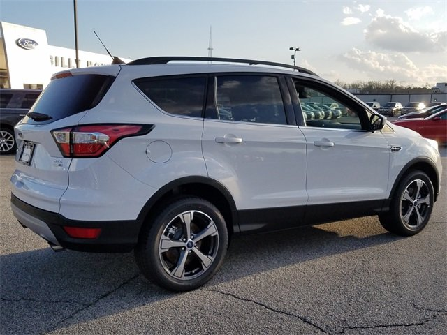 2018 Oxford White Ford Escape SEL EcoBoost 1.5L I4 GTDi DOHC Turbocharged VCT Engine 4X4 Automatic 4 Door SUV