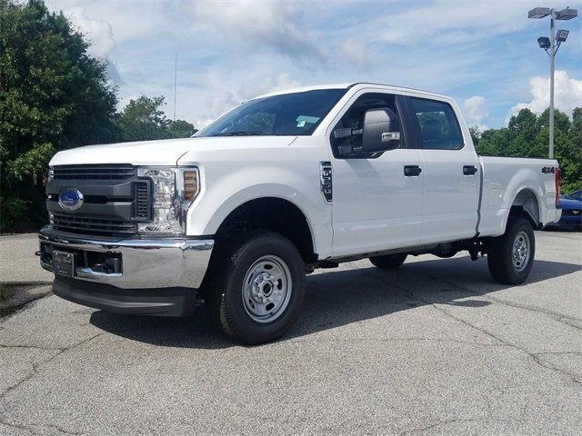 2018 Oxford White Ford Super Duty F-250 SRW XL 4 Door Truck Automatic V8 Engine 4X4