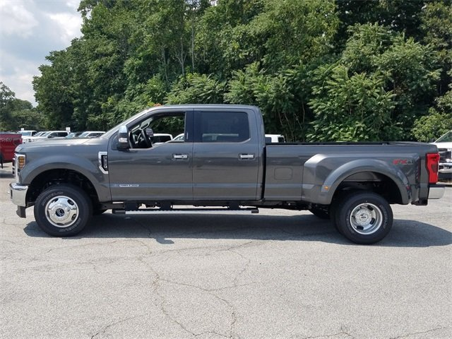 2018 Magnetic Metallic Ford Super Duty F-350 DRW Lariat 4X4 4 Door Power Stroke 6.7L V8 DI 32V OHV Turbodiesel Engine