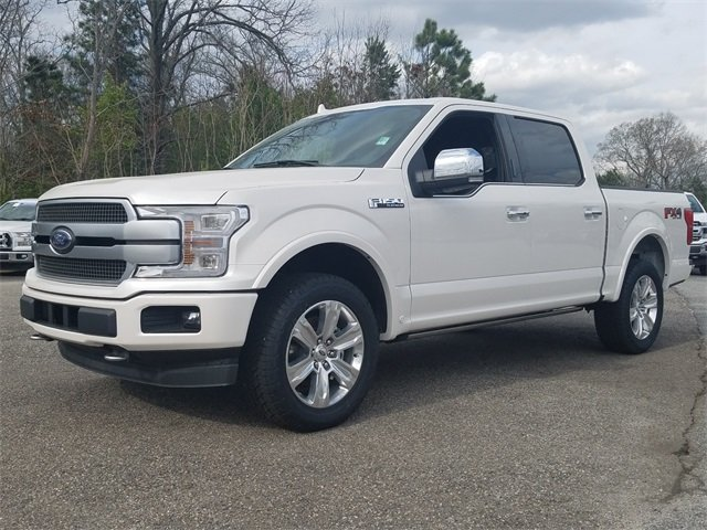 2018 White Platinum Metallic Tri-Coat Ford F-150 Platinum 4 Door 3.5L EcoBoost V6 engine with Auto Start/Stop Technology 4X4 Truck Automatic