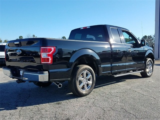 2018 Ford F-150 XLT RWD 3.3L Ti-VCT V6 engine with Auto Start/Stop Technology Truck Automatic