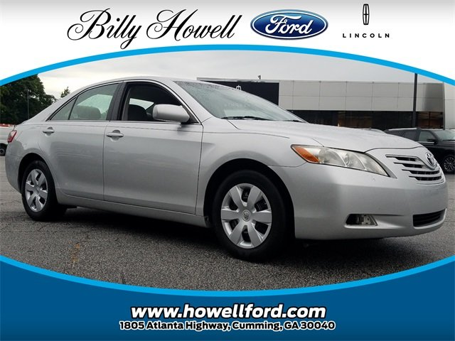 2009 Classic Silver Metallic Toyota Camry XLE Sedan 2.4L I4 SMPI DOHC Engine 4 Door FWD