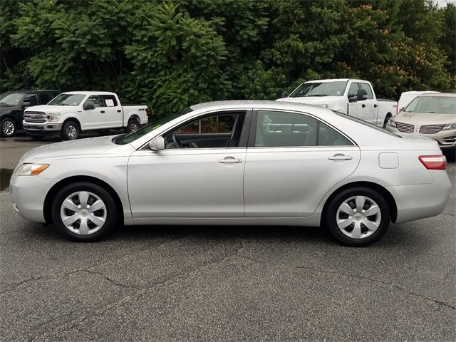 2009 Classic Silver Metallic Toyota Camry XLE 2.4L I4 SMPI DOHC Engine Sedan 4 Door FWD Automatic