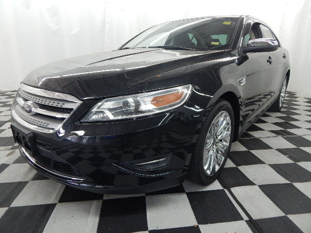 2011 Tuxedo Black Metallic Ford Taurus Limited Sedan Automatic FWD 4 Door