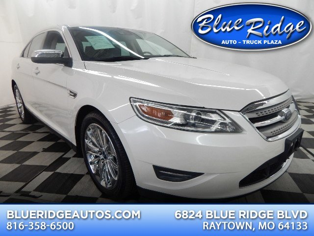 2010 Ford Taurus Limited AWD 4 Door Automatic Sedan