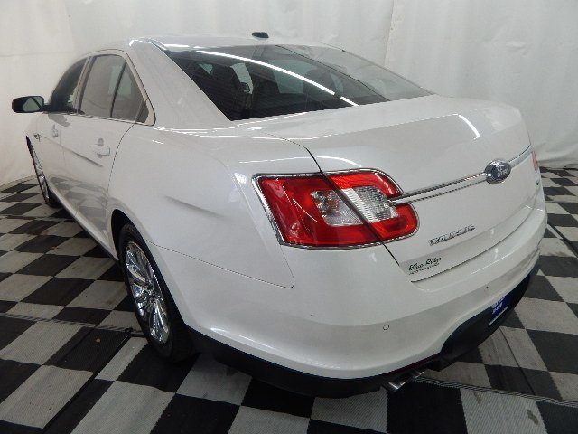 2010 White Platinum Metallic Tri-Coat Ford Taurus Limited Automatic AWD Sedan
