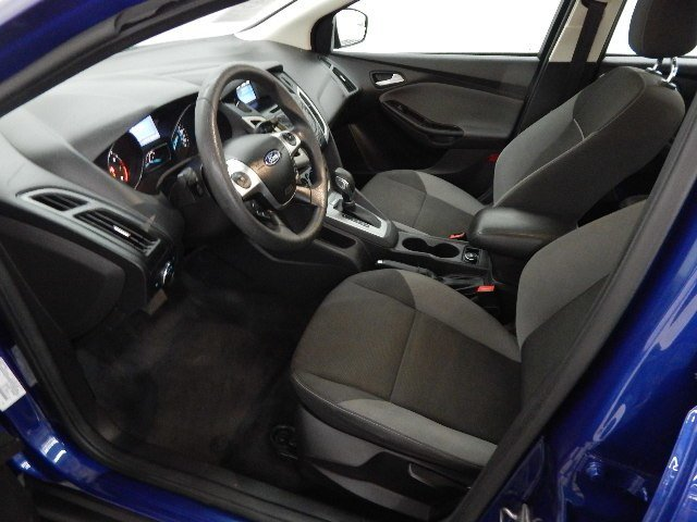 2012 Sonic Blue Metallic Ford Focus SE 2.0L 4 cyls Engine Sedan Automatic FWD 4 Door