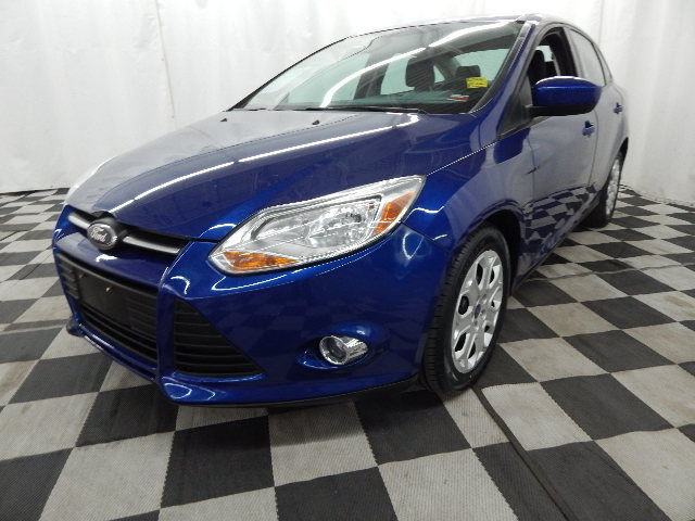 2012 Ford Focus SE Sedan FWD Automatic 4 Door 2.0L 4 cyls Engine