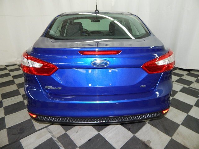 2012 Sonic Blue Metallic Ford Focus SE 4 Door Automatic Sedan FWD 2.0L 4 cyls Engine