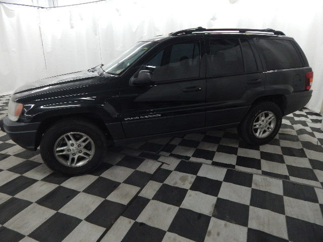 2003 Brilliant Black Crystal Pearlcoat Jeep Grand Cherokee Laredo Automatic 4X4 4 Door SUV 4.0L 6 cyls Engine