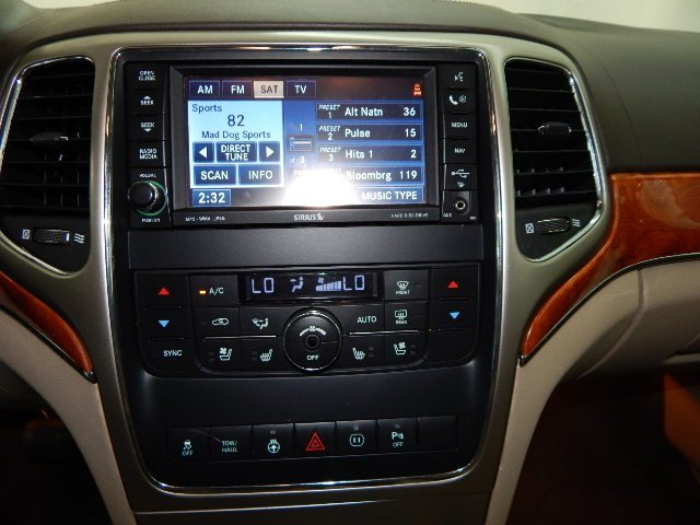 2011 Jeep Grand Cherokee Overland 4X4 Automatic 4 Door SUV