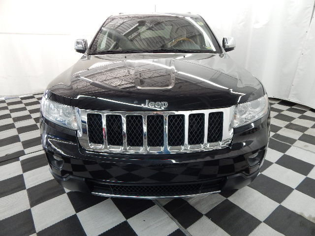 2011 Brilliant Black Crystal Pearlcoat Jeep Grand Cherokee Overland Automatic 4X4 SUV