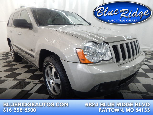 2008 Bright Silver Metallic Clearcoat Jeep Grand Cherokee Laredo 4X4 4 Door 3.7L V6 Engine SUV Automatic