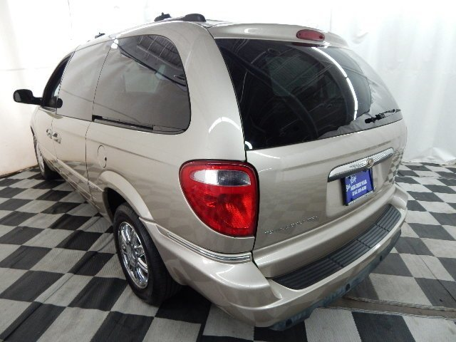 2006 Linen Gold Metallic Pearlcoat Chrysler Town & Country Limited FWD 4 Door 3.8L V6 Engine