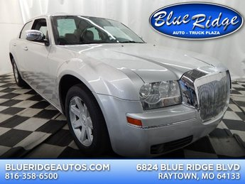 2010 Bright Silver Metallic Clearcoat Chrysler 300 Touring/Signature Series/Executive Series Sedan 3.5L V6 Engine Automatic 4 Door RWD