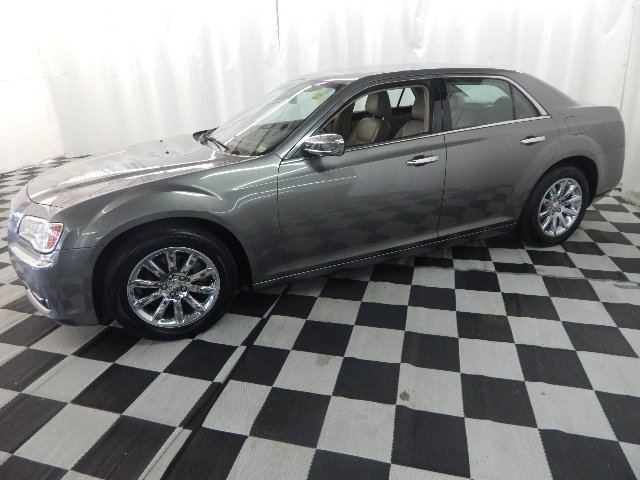 2012 Chrysler 300 Limited 4 Door RWD Sedan