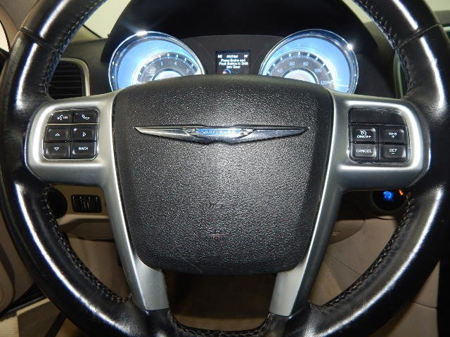 2012 Chrysler 300 Limited Automatic 4 Door Sedan RWD
