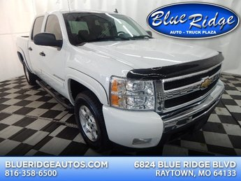 2009 Summit White Chevrolet Silverado 1500 LT 4 Door 4X4 Automatic 5.3L V8 Engine Truck