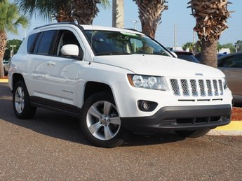 2016 Bright White Clearcoat Jeep Compass Latitude SUV 4X4 Automatic