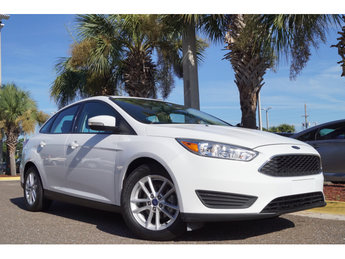 2017 Oxford White Ford Focus SE 4 Door FWD EcoBoost 1.0L I3 GTDi DOHC Turbocharged VCT Engine