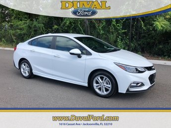 2017 Summit White Chevrolet Cruze LT 1.4L 4-Cylinder Turbo DOHC CVVT Engine Automatic 4 Door Sedan FWD