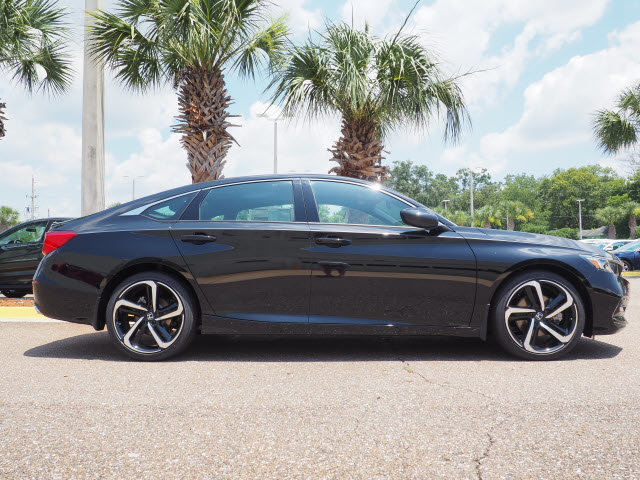 2018 Honda Accord Sport FWD 4 Door I4 DOHC 16V Turbocharged Engine Automatic (CVT)