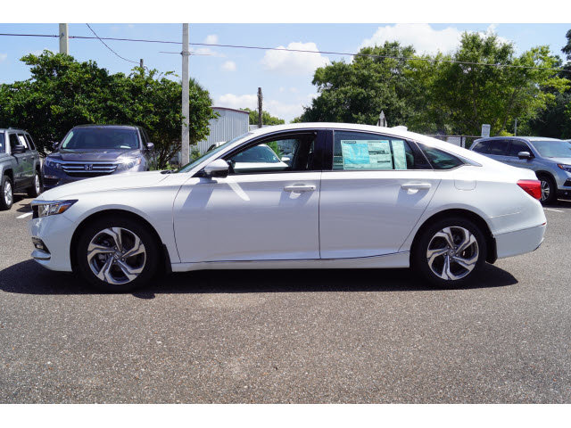 2018 Platinum White Pearl Honda Accord EX-L 4 Door I4 DOHC 16V Turbocharged Engine FWD Sedan