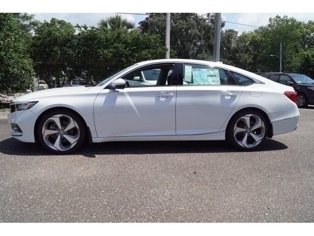 2018 Honda Accord Touring 4 Door Sedan I4 DOHC 16V Turbocharged Engine FWD Automatic (CVT)