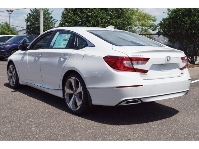 2018 Platinum White Pearl Honda Accord Touring Automatic (CVT) FWD 4 Door I4 DOHC 16V Turbocharged Engine