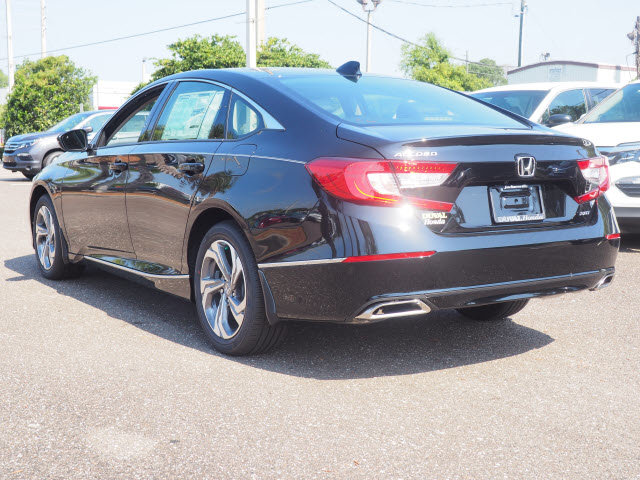 2018 Crystal Black Pearl Honda Accord EX-L Navi 2.0T 4 Door I4 DOHC 16V Turbocharged Engine FWD Sedan Automatic