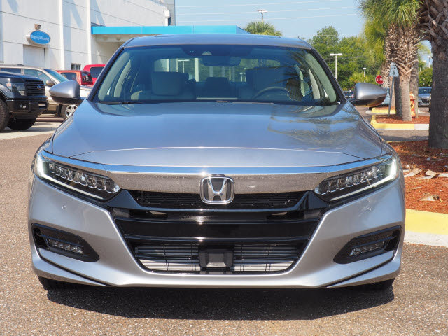 2018 Honda Accord Touring 2.0T Automatic 4 Door FWD I4 DOHC 16V Turbocharged Engine Sedan